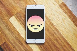 emoticono enfado móvil