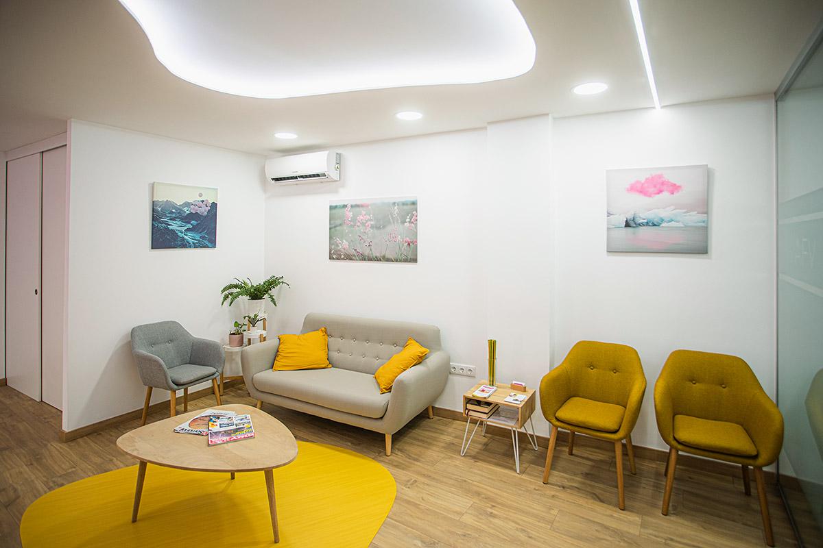 Sala de espera del centro de psicología